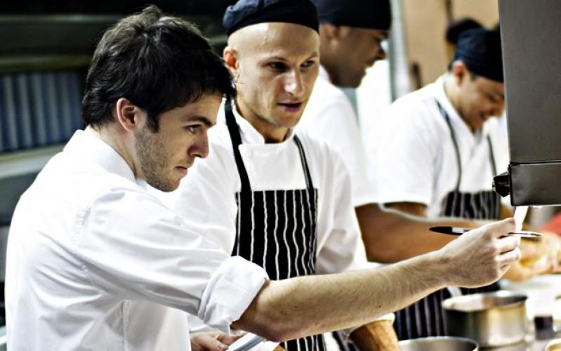 O que Faz um Gerente de Restaurante? Saiba qual é o seu Verdadeiro ...
